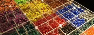 Von wegen Bonbon-Theke: Auf der Essener Spielemesse gibt es zahlreiche StŠnde, die WŸrfel verkaufen. Die Messe lŠuft noch bis einschlie§lich Sonntag, 828 Aussteller sind vor Ort.